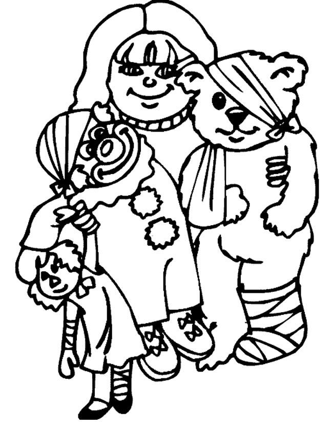 Gratis kleurplaat Kind met knuffels