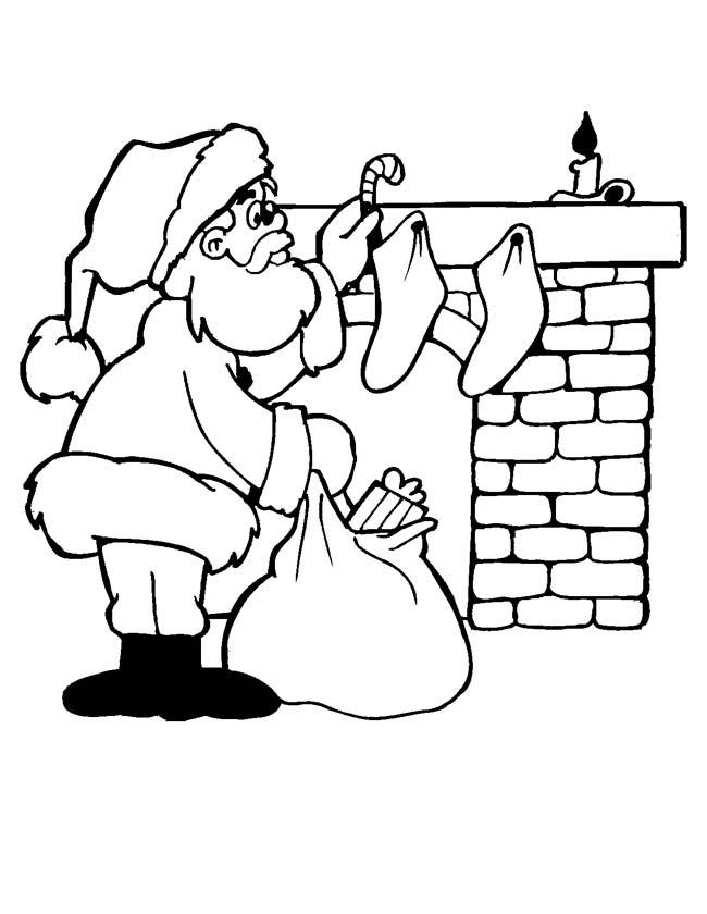 Gratis kleurplaat Kerstman bij de open haard
